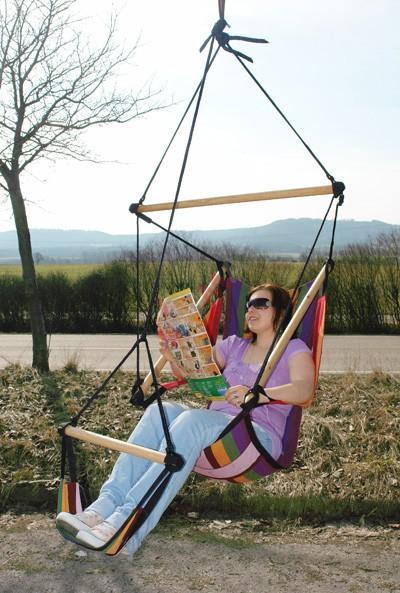 Hanging chaise chaise hamac stripe 150 kg plein air for Chaise 150 kg