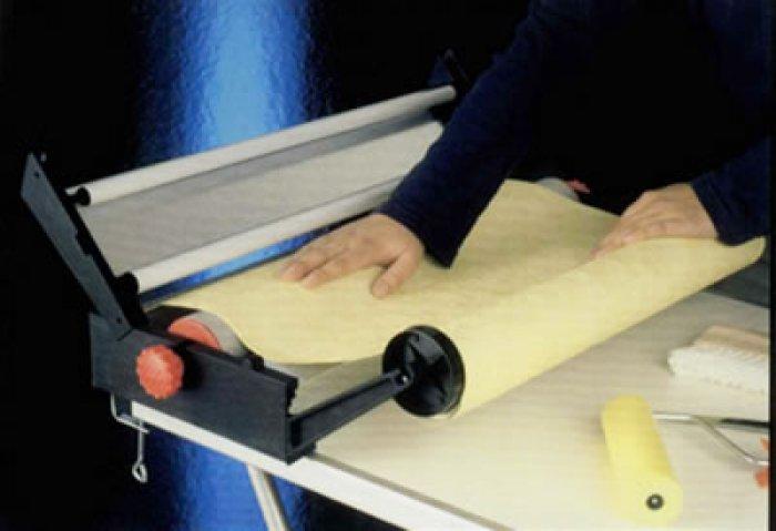 Machine à encoller papier peints